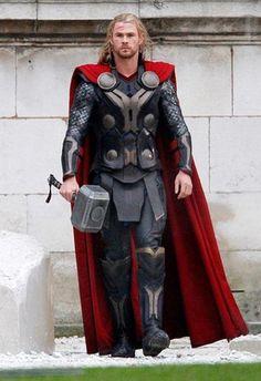 Kuka on näyttelijä Thor dating