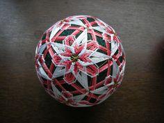 作品紹介-都てまり - miyakotemari0000 ページ! Soccer Ball, Japanese, Stitch, Embroidery, How To Make, Crafts, Face, Balls, Full Stop