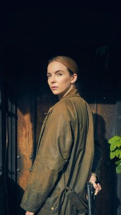 Jodie Comer as Villanelle - Killing Eve - The species of the female is more deadlier than the male. Ep 5 tonight on Bambi, Comedy Tv Series, Service Secret, Arizona Robbins, Sandra Oh, Jodie Comer, English Actresses, Best Actress, Girl Crushes