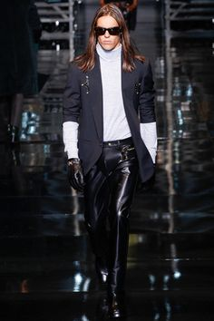 Versace Fall 2014 Menswear Collection Slideshow on Style.com