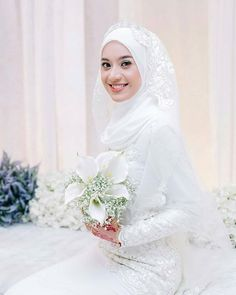 Pinned By Pinogram Muslimah Wedding Dress, Disney Wedding Dresses, Pakistani Wedding Dresses, Modest Wedding Dresses, Bridal Hijab, Wedding Hijab, Wedding Gowns, Hijab Bride, Wedding Cakes