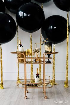La Chic Soirée - Full-service event planning, styling boutique in Toronto ON. Gatsby Themed Party, Great Gatsby Party, Nye Party, Party Time, 40th Birthday Parties, Birthday Dinners, Birthday Party Decorations, Black And Gold Party Decorations, Black Balloons