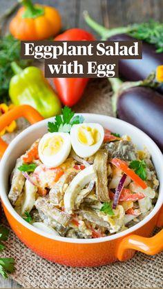 Healthy Salad Recipes, Veggie Recipes, Lunch Recipes, Eggplant Salad, Banting Recipes, Salad Wraps, Nigerian Food, Air Fryer Healthy, How To Make Salad