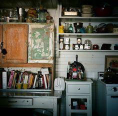 Gli oggetti in cucina: http://hideawayinspiration.blogspot.it/