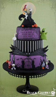 Nightmare Before Christmas wedding cake by Black Cherry Cake Company. I always wanted a NBC cake at my wedding Bolo Halloween, Table Halloween, Fete Halloween, Halloween Cakes, Halloween Wedding Cakes, Spooky Halloween, Pretty Cakes, Beautiful Cakes, Amazing Cakes