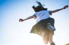 독특한포즈 Beauty Trends 2019 gen z beauty trends Body Reference, Photo Reference, Windy Skirts, Japan Girl, Girl Short Hair, School Uniform, Beauty Trends, Photo Poses, Girl Hairstyles