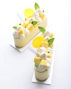 Small Desserts, Gourmet Desserts, Fancy Desserts, Plated Desserts, Delicious Desserts, Dessert Recipes, Pastry Recipes, Patisserie Fine, Decoration Patisserie