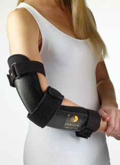 Ultra XR Cubital Tunnel Elbow Splint , Medium/Large - Model Innovative support that immobilizes and positions the elbow at to help reduce pain and numbness associated with Cubital Tunnel Syndrome Best Tennis Elbow Brace, Elbow Surgery, Cubital Tunnel Syndrome, Martial, Compression Arm Sleeves, Elbow Pain, Spine Health