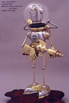 Lawrence Northey robots - USA Star 1. Brass, aluminum and glass. Man, he has some beautiful bots!!