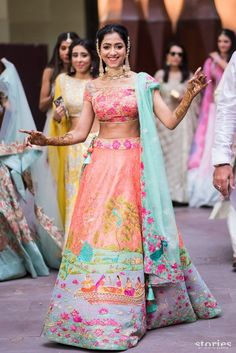 Unique patterned offbeat lehenga choli for this wedding season is being preferred over red. Choose a lehenga that makes everyone's hearts flutter. Multicolored lehenga to slay your bridal look this season. Indian Bridal Lehenga, Red Lehenga, Lehenga Choli, Anarkali, Lehenga Wedding, Cotton Lehenga, Yellow Lehenga, Lehnga Dress, Sarees