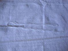 Trocas de Linhas: BORDADO DESFIADO- Com passo a passo. Bargello Needlepoint, Towel, Pants, Geronimo, Embroidered Towels, White Embroidery, Embroidery For Beginners, Silk Ribbon Embroidery, Hardanger