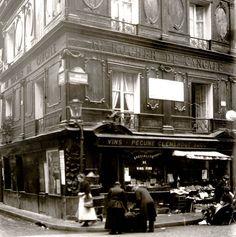 Au Rocher de Cancale, rue Montorgueil 75002 Paris