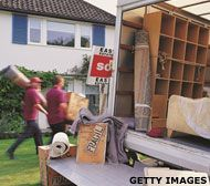 Rental trucks, containers and movers all have pros and cons when it comes to interstate moving.