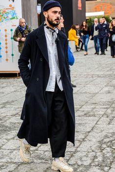 Mens Winter Fashion Tips Big Men Fashion, Milan Fashion, Winter Fashion, Fashion Trends, Modern Mens Fashion, Fashion Basics, Fashion Shirts, Fashion Styles, Fashion Ideas
