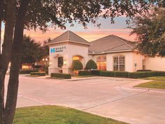 Richardson (TX) Hyatt Summerfield Suites Dallas/Richardson Hotel United States, North America Stop at Hyatt Summerfield Suites Dallas/Richardson Hotel to discover the wonders of Richardson (TX). Featuring a complete list of amenities, guests will find their stay at the property a comfortable one. Pets allowed, Wi-Fi in public areas, safety deposit boxes, meeting facilities, elevator are just some of the facilities on offer. Designed for comfort, guestrooms offer internet acces...