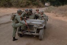 M*A*S*H Good-Bye Radar: Part 1 Episode aired 8 October 1979 Season 8 | Episode 4, mash, 4077, Gary Burghoff , Corporal Walter Eugene O'Reilly,  jeep