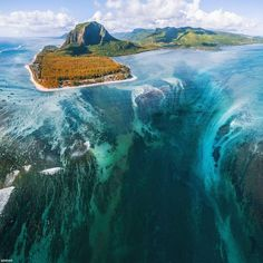 The underwater waterfall at Le Morne Brabant, Mauritius Photo by Sébastien and Fabrice Beautiful Places To Travel, Cool Places To Visit, Romantic Travel, Amazing Places, Underwater Plants, Fotografia Macro, Places Around The World, Vacation Spots, Italy Vacation