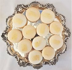 #macarons #weddingmacarons #luxurydesserttable Wedding Favours, Wedding Cakes, Couture Cakes, Dessert Table, Beautiful Cakes, Macarons, Catering, Special Occasion, Favors