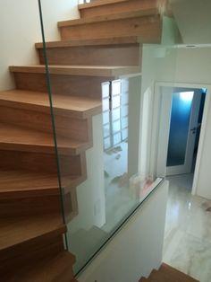sklenené zástena - zábradlie pri točených schodoch Stairs, Home Decor, Ladders, Homemade Home Decor, Stairway, Staircases, Decoration Home, Stairways, Interior Decorating