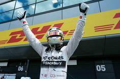 Hamilton on course to beat Senna& all-time consecutive poles record Petronas, F1 News, Calendar 2020, Formula 1, Hamilton, Beats, All About Time, British, Shape