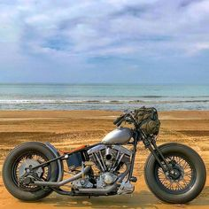 #bobber #bobberporn #chopperfest #chopcult #sportster #sporstergram #knucklehead #panhead #shovelhead #customerbuild #motorcycle #triumph #triumphbonneville #triumphscrambler #harleyddavidsonpanhead