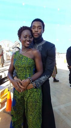 I love Lupita's hair like this! And OMG! this pic of her and Chadwick is ♡♡♡