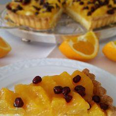 Wie wäre es zu Wochenend- Kaffee mit einer Orangen-Tarte mit Granatapfel? Herrlich erfrischend und so gut! Das Rezept dafür findest Du auf meinem Blog.#instagramers #istagood #instacool #ichliebefoodblogs #rezeptbuchcom #loveit #sweet #kuchengehtimmer #ichliebebacken #kuchen #foodbloggers #foodblog #sweetdreams #huffposttaste #hautecuisines #foodporn #buzzfeast #foodpics ##onthetable #gdaily #foodlover #thekitchn #vscofood #delicious