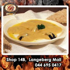 Here is something we haven't featured before! Who enjoys Creamy Garlic Snails? Hot out of the kitchen and served with bread, the ideal starter to any meal. Starters Menu, Beef Dishes, Snails, Baron, Cattle, Cheeseburger Chowder, Garlic, Curry, Soup
