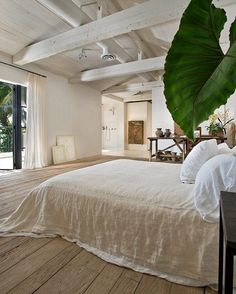 Always a Sunday favourite - the relaxed Miami home of Calvin Klein is a reminder to slow down, stay in bed a little longer and enjoy the simple things in life  image via Pinterest curbed.com