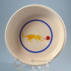 Yarn bowl decorated with a kitty chasing a ball of yarn by summerscrafts on Etsy Yarn Bowl, Stoneware, Decorative Plates, Pottery, Kitty, Ceramica, Little Kitty, Kitten, Pots