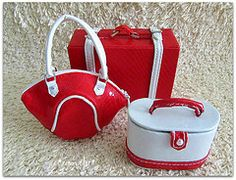 Do you love mini bags? See our bags wiki page. // Acessórios da Susie Haute Traveler: Bolsa - Frasqueira - Mala