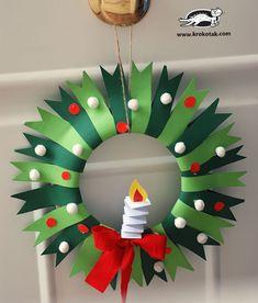 Corona de navidad de papel para hacer con niños