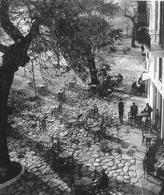 black and white // vintage // street // photography Patrick Nagel, Edward Hopper, Robert Doisneau, Alphonse Mucha, Old Photography, Street Photography, Urban Nature, Sculpture, Artist Art