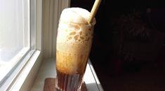 Recept Griekse ijskoffie: vegan frappé als opkikker of op het terras #groen #geluk #eigenwijs #blij Geluk, Frappe
