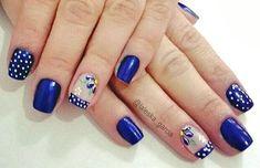 Unhas decoradas com flores Polka Dot Nails, Blue Nails, My Nails, Diy Beauty Nails, Hair Beauty, Celebrity Beauty, Nail Trends, Nail Inspo, Nail Art Designs