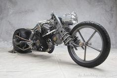 http://de.autoblog.com/photos/essen-motor-show-extrem-custom-bikes-and-hot-rods/1637012/