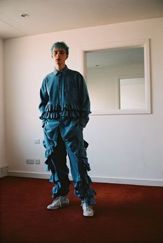See all the Collection photos from Christopher Shannon Spring/Summer 2018 Menswear now on British Vogue Christopher Shannon, Denim Editorial, Editorial Fashion, Vogue Paris, Rock Style Men, Guy Style, Interview, Street Style Summer, Fashion Images