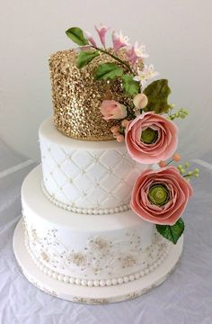 Beautiful glittery gold sequined wedding cake