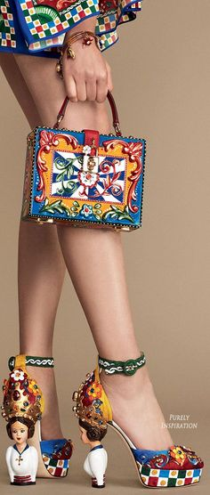 Dolce & Gabbana & more . Dolce & Gabbana & more . Look Fashion, Fashion Bags, Fashion Shoes, Fashion Handbags, Fashion Accessories, Womens Fashion, Women's Handbags, Couture Fashion, Fashion Trends
