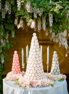 Wedding Decorations For Cake Table Table - these wedding dessert table ideas are so sweet - weddingwire Wedding Desserts, Wedding Cakes, Wedding Decorations, Table Wedding, Table Decorations, Spring Wedding Colors, Spring Wedding Inspiration, Dessert Bars, Dessert Table