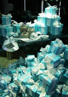 Tiffany blue boxes