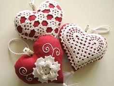 Mis-tejer juguetes Sake Amigurumi: Elegantes adornos de corazones de tela de encaje Fantasia