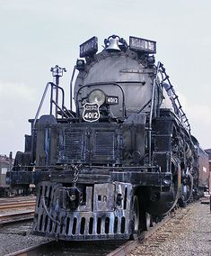 The overall length of this Big Boy locomotive is 132 feet, 9-1/4 inches. It was retired by the Union Pacific in February 1962 after logging 1,029,507 miles. The locomotive cost the UP $265,000 when it was built in the 1940s. The train weighs 1,189,500 pounds and was operated at speeds of up to 80 miles per hour.