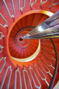The view inside Rinns of Islay Lighthouse - Designed by Robert Stevenson and first lit in 1825. Rinns of Islay sits on the island of Orsay just off of Port Wemyss and Portnahaven. The lighthouse was one of the last to be automated in Scotland in 1998. Treppen Stairs Escaleras