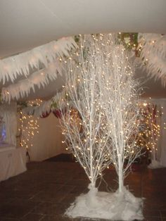 icicle banner, twinkle lights
