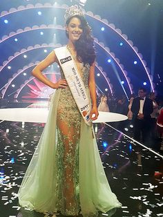 Demi-Leigh Nel-Peters is the winner of Miss South Africa 2017 and will compete in either Miss Universe 2017 or Miss World 2017 pageant. Demi Leigh Nel Peters, Pageant Girls, Hawaiian Tropic, Planet Hollywood, Leighton Meester, Miss World, Beautiful Inside And Out, Beauty Pageant, Celebs