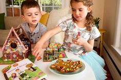 Act out a super sweet version of the Hansel and Gretel Fairytale.  A gingerbread house, a witch's kitchen and a candy garden.  Perfect for preschoolers who love this story.  Storytime Toys Hansel and Gretel dollhouse and storybook playset.