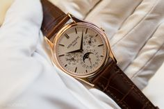 While the two big releases for Patek Philippe at Basel World this year both happened to be in stainless steel (the new Nautilus Chrono Travel Time 5990 / Annual Calendar Chrono 5960A), it's worth noting that one of its more understated and elegant, but important, timepieces received two updates. The reference 5140 is Patek's round, traditional perpetual calendar, and this year we saw two brand new dials.