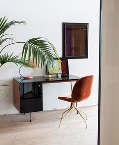 Repost from Lost and found! The GUBI universe is full of old, reissued and new design treasures. We are proud to have the Cobra Table Lamp, Grossman Desk and Beetle Chair among many others in our collection Office Interior Design, Home Office Decor, Office Interiors, Home Decor, Office Ideas, Bureau Design, Workspace Inspiration, Interior Design Inspiration, Greta Grossman