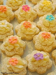 Pink Piccadilly Pastries: Carmelitas for a Crowd Carmelita Bars, Blonde Brownies, Baby Shower Desserts, Best Cookie Recipes, Brownie Bar, Oatmeal Cookies, Yummy Cookies, Sugar And Spice, Desert Recipes
